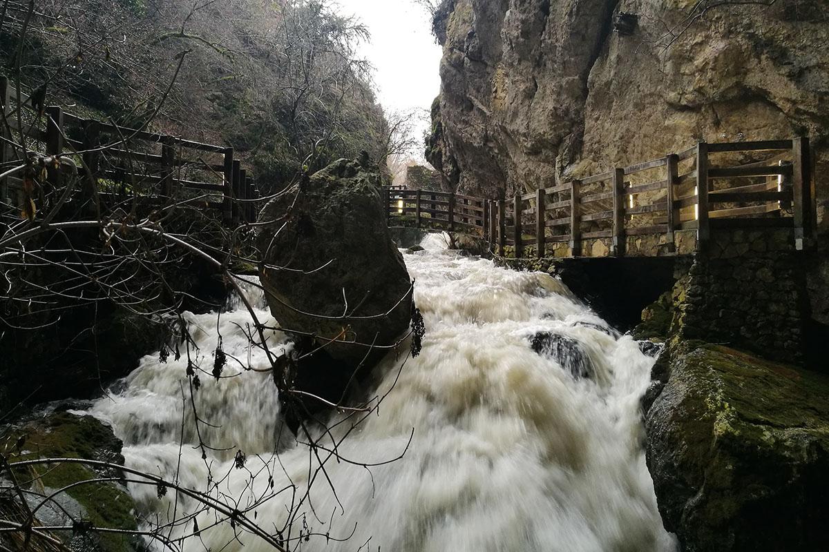 Immagine di Grotte di Val de' Varri ed educazione ambientale